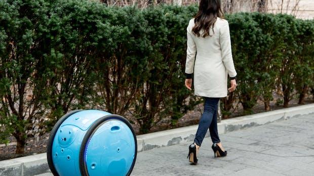 Dieser schicke Roboter von den Vespa-Machern bringt deine Einkäufe nach Hause