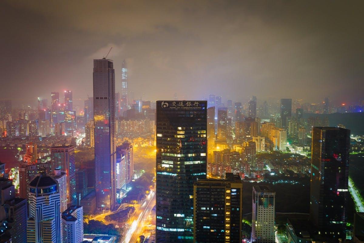 Shenzhen ist selbst eine Art Startup. 1980 zählte die Stadt 30.000 Einwohnern, heute sind es zehn Millionen. Sie hat sich einen Namen als das Silicon Valley für Hardware gemacht. (Foto: Vitaly Vyazovsky)
