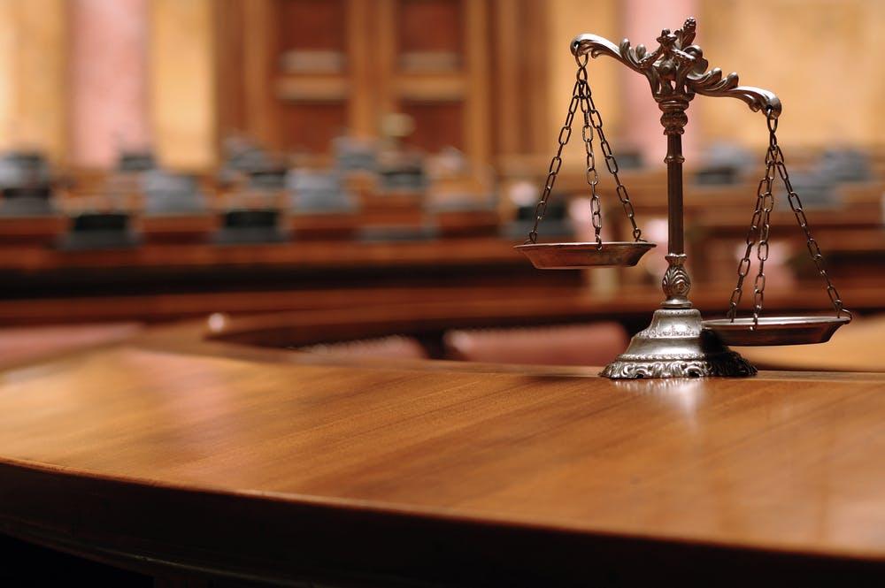 Marketplace-Händler haftet für Urheberrechtsverletzung von Amazon