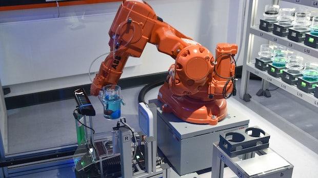Automatisierung: Bedeuten mehr Roboter automatisch weniger Jobs?