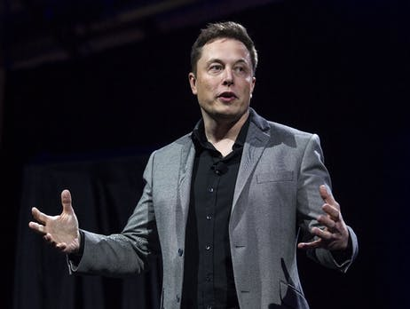 Unfall auf der A9: Warum Elon Musk die Schäden an einem Tesla zahlen will