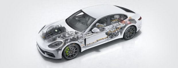 Der Porsche Panamera Turbo S E-Hybrid soll rein elektrisch 50 Kilometer weit kommen. (Bild: Porsche)