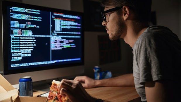 Hobby vs. Job: Diese Programmiersprachen sind am Wochenende beliebt
