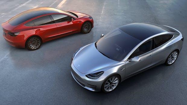 Tesla liefert erste Model-3-Fahrzeuge in Deutschland aus