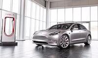 Tesla Model 3 ist fertig: Erste Modelle sollen schon Ende des Monats ausgeliefert werden