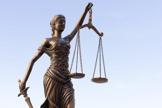 Abmahnung: Mit diesen Rechtsproblemen kämpfen Amazon-Händler