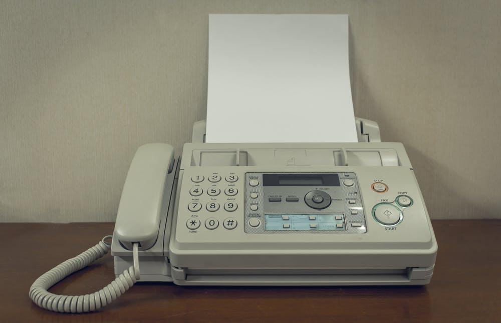 Digitale Kommunikation: 70 Prozent der deutschen Unternehmen faxen noch
