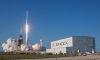 Vertrag unterschrieben: SpaceX unterstützt Masten bei Mondmission