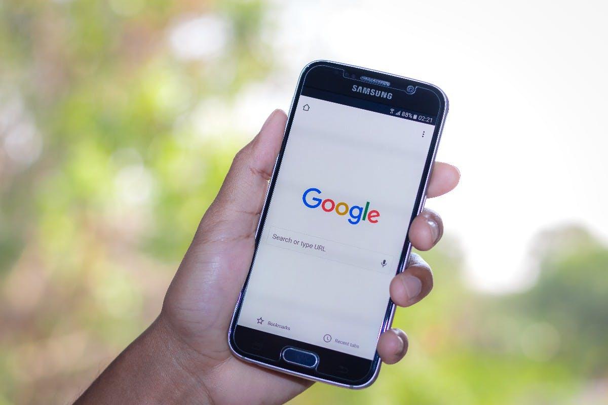 Ohne Netzbetreiber: Google rollt seine Antwort auf iMessage jetzt selbst aus