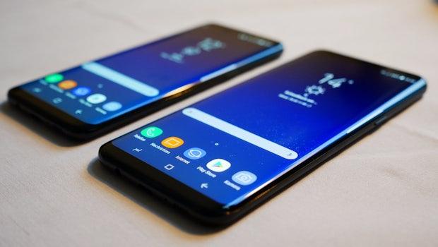 Das Samsung Galaxy S8  und das S8 Plus sind abgesehen von Akkukapazität, Displaydiagonale und Gehäusegröße baugleich. (Foto: t3n)
