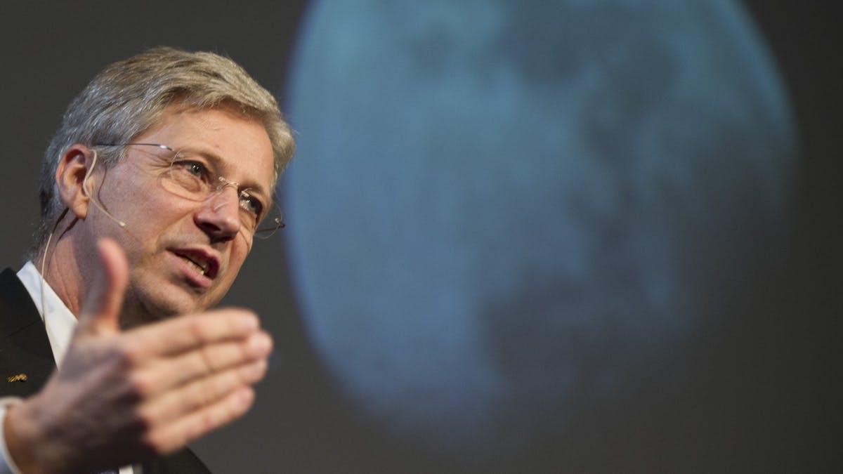 """Ex-Astronaut Thomas Reiter: """"Ich zweifle an den Plänen von Elon Musk"""""""