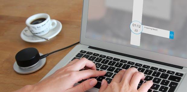 Timebuzzer: Kasseler Startup erfindet Hotbutton für die Zeiterfassung