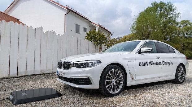 Elektromobilität: Erstes induktives Ladesystem der Welt kommt von BMW