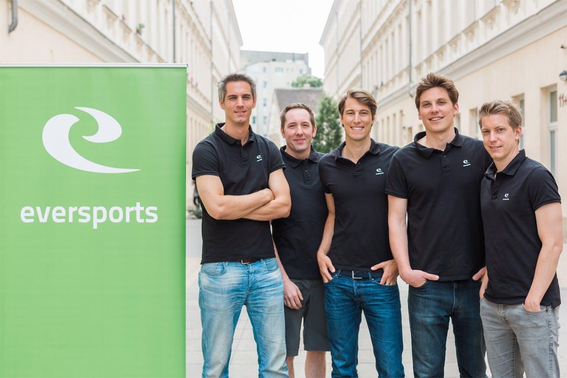 Auch in Österreich ist Reber umtriebig. Vergangenes Jahr investierte er zusammen mit anderen Teilhabern in Eversports: Das Unternehmen aus Wien entwickelt eine Plattform zur Vermittlung von Sportangeboten. Wer beispielsweise nach einer Fußball-Halle in München sucht, kann diese über Eversports finden und buchen. (Foto: Eversports)