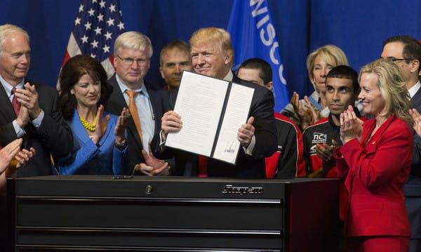 """Diese Branchen betrifft Trumps """"Buy American, Hire American""""-Dekret am meisten"""