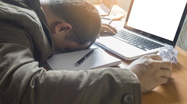 8 Dinge, die du nicht über deine E-Mail-Adresse auf der Arbeit verschicken solltest