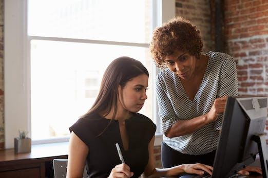 Private Chats im Büro – wenn der Chef mitliest