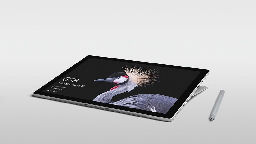 Das Microsoft Surface Pro lässt sich bis zu 165 Grad neigen. (Foto: Microsoft)