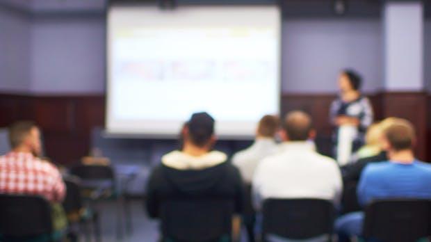Powerpoint kann Präsentationen jetzt in Echtzeit übersetzen