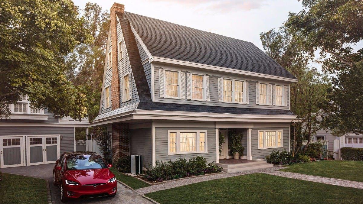 Teslas Solar-Ziegel sollen günstiger als normale Dächer sein