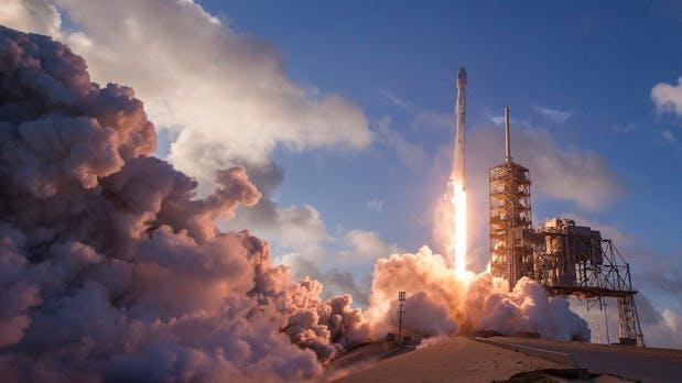 Internet aus dem Weltraum: SpaceX startet dieses Jahr ersten Prototyp