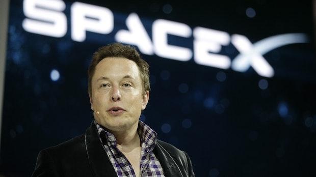 Elon Musk gibt das nächste Megaversprechen ab – eine Mondlandung