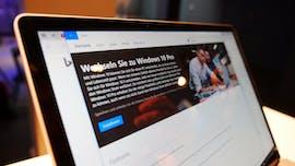 Der Wechsel von Windows 10 S auf die Pro-Version geht rasch vonstatten. (Foto: t3n)