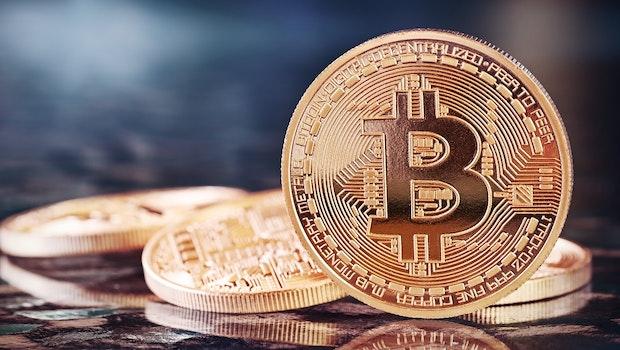 Immer noch unbestritten die Nummer eins unter den Kryptowährungen: Bitcoin mit einer Marktkapitalisierung von rund 280 Milliarden US-Dollar. (Stand: Anfang Dezember 2018)  (Foto: Shutterstock/Julia Tsokur)