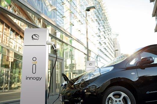Schnellladesäulen für E-Autos: RWE-Tochter Innogy kooperiert mit Tank & Rast