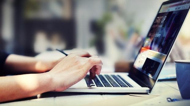Digitalisierung der Arbeitswelt: Wie Unternehmen ihre Mitarbeiter auf den Wandel vorbereiten