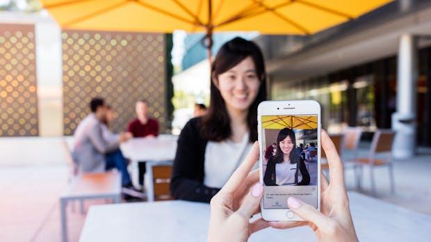 Seeing AI: Microsofts App will das Leben für Blinde erleichtern