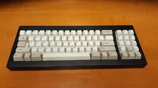 """Fan-Projekt bringt die legendäre IBM-Tastatur """"Model F"""" zurück"""