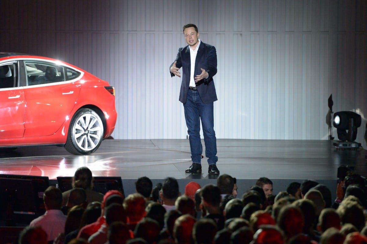 Die 10 beliebtesten Artikel der Woche: Tesla-Aktie auf Höhenflug, iOS 11 hat Probleme