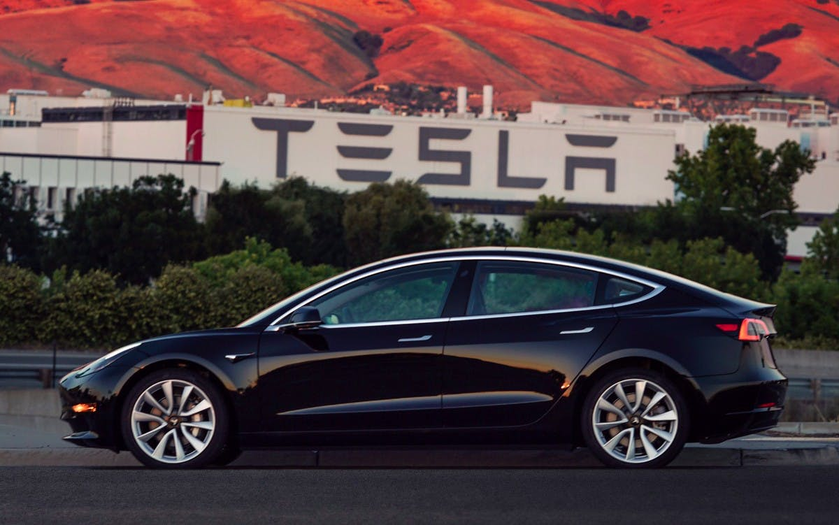 "Tesla: Model 3 bereits Bestseller in den USA – Model Y bringt ""Fertigungsrevolution"""