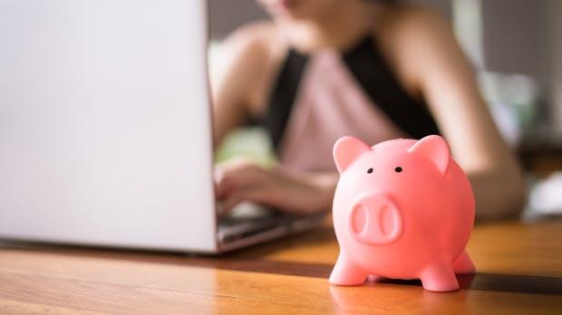 Wer diese 7 Dinge beachtet, spart bei Online-Käufen ganz einfach Geld