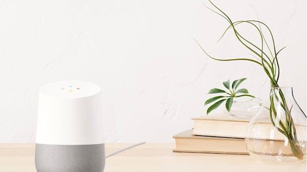 Google Home soll Wohnzimmer erobern: Der Alexa-Konkurrent im Test
