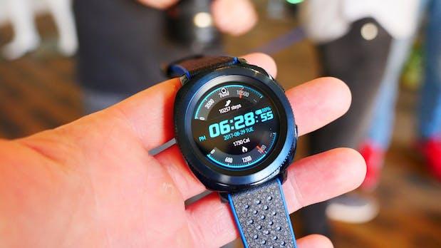Samsung Gear Sport: Schlanke, schicke Smartwatch mit Fitness-Fokus
