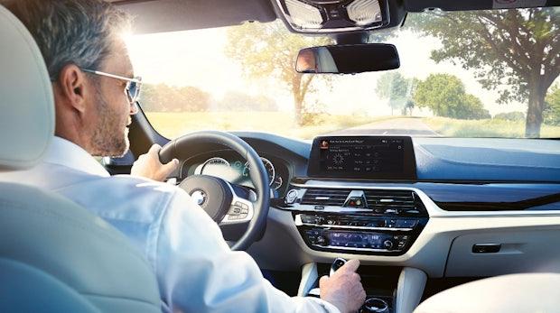 Alexa inside: BMW integriert Amazons digitale Assistentin ab 2018 in seine Autos