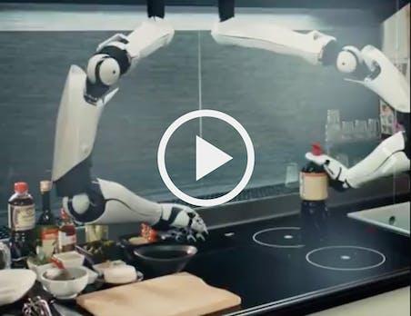 Essen wie von Zauberhand: Diese Roboterküche kann deine Rezepte nachkochen