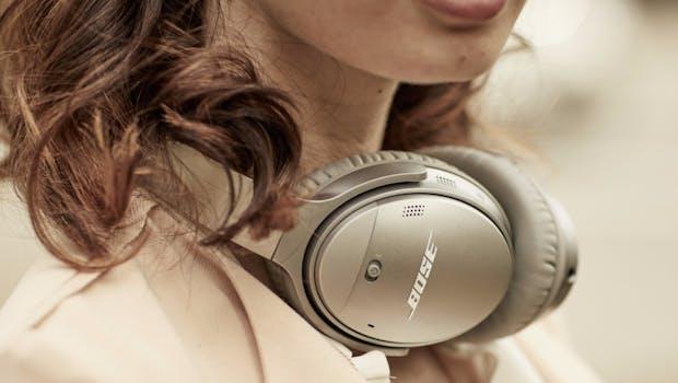 Bose Quiet Comfort 35 II mit Google-Assistant-Button. (Foto: Bose)