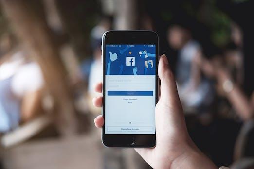 Nervige Freunde für 30 Tage stummschalten: Facebook bringt Snooze-Button