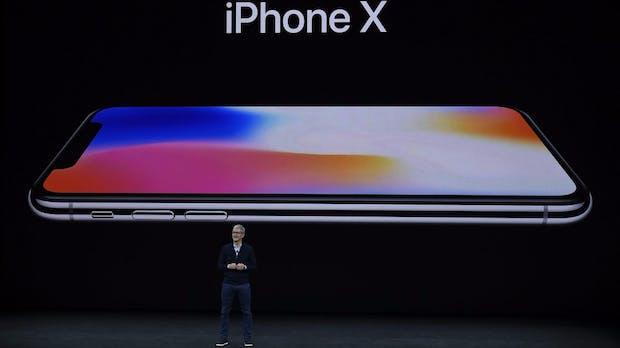 Wetten auf iPhone-X-Erfolg: Warren Buffett kauft vier Millionen Apple-Aktien dazu