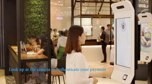 Lächelnd zahlen: Alipay testet Bezahlung per Gesichtserkennung
