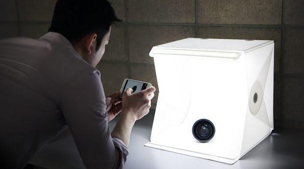 Praktische Gadgets für Fotografen gibt es auch aus dem Hause Orangemonkie: Mit dem Foldio ist ein mobiles Studio immer dabei. (Foto: Orangemonkie)