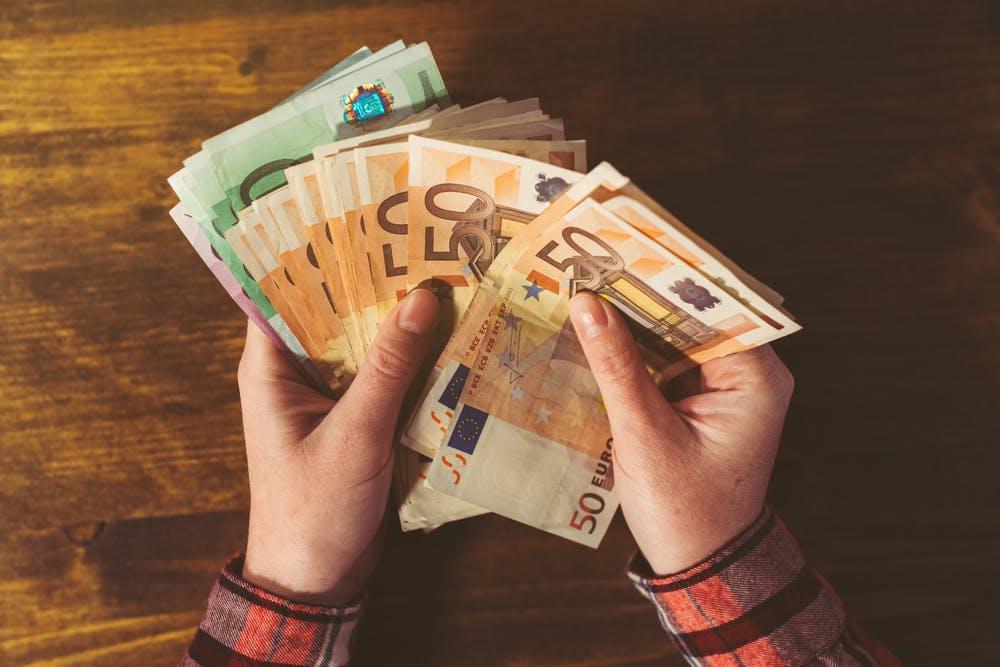 Die ideale Summe: So viel Gehalt macht uns wirklich glücklich