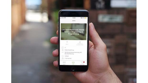Jobsuche: Die kostenlose Truffls-App für iOS und Android ist ein Tinder für Bewerber. Wer auf der Suche nach einem interessanten Job ist und fündig wird, swipt einfach nach rechts und schickt einen Lebenslauf ab. Antwortet das Unternehmen, kommt es zum Match. (Grafik: t3n / dunnnk)