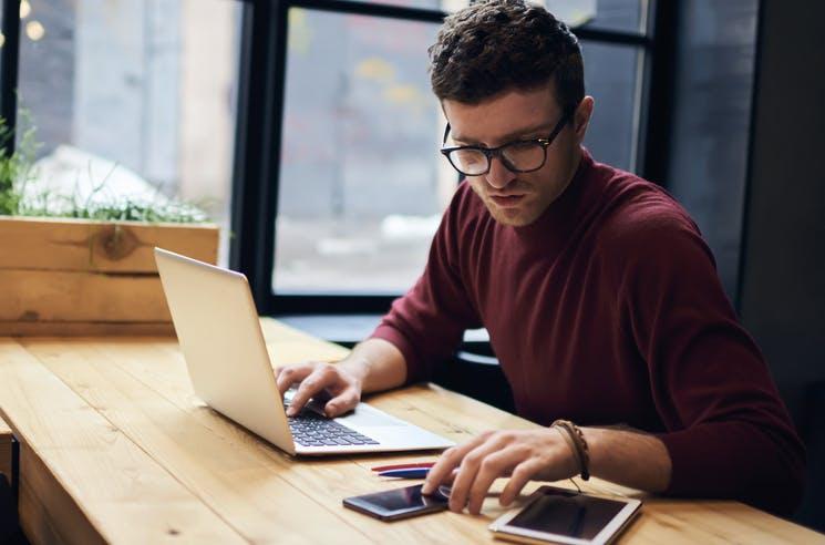 Stundenlohn: 19 Prozent der Webdesigner rechnen weniger als 40 Euro ab