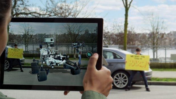 """Das Windows 10 Fall Creators Update bringt den """"Mixed Reality Viewer"""": 3D-Objekte am Rechner. (Bild: Microsoft)"""
