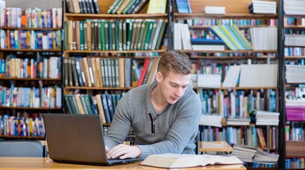 Reich, aber unsexy: Trotz guter Bezahlung sinkt das Interesse am Informatik-Studium