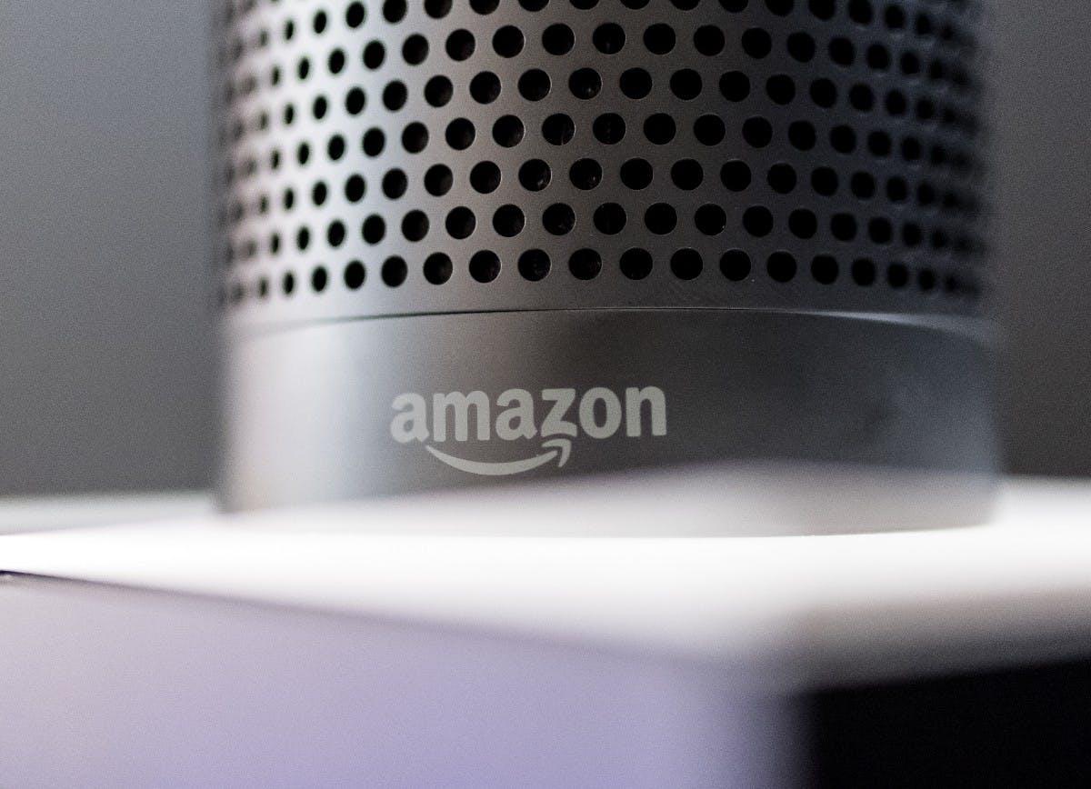 Alexa, Siri und Assistant: Forscher erteilen smarten Lautsprechern heimliche Befehle